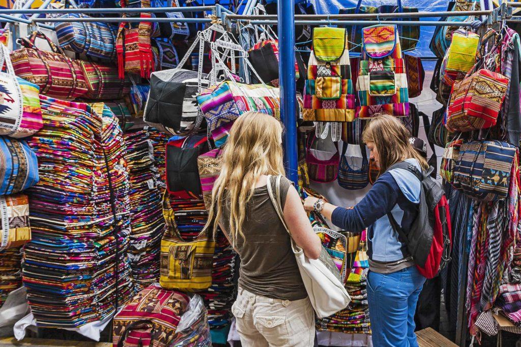 Mercado de Ponchos Otavalo 009